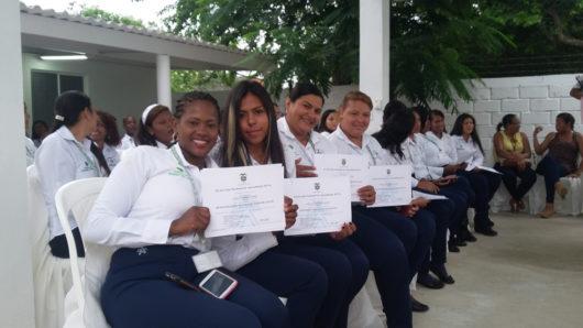 Entrega de certificados de cursos complementarios a aprendices SENA de Tierra Baja